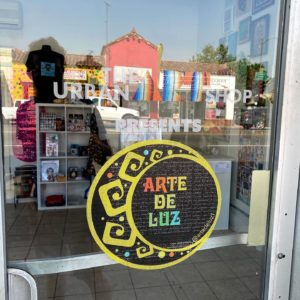 Pop-Up Shop: Arte De Luz